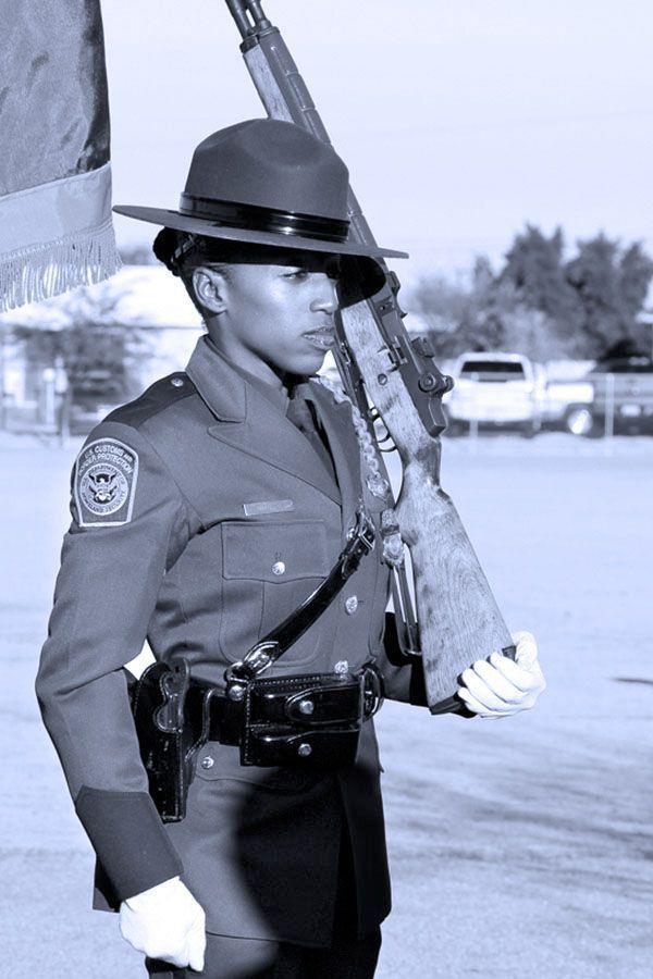 Border Patrol chaplain juggles dual roles of law, comfort | Faith ...