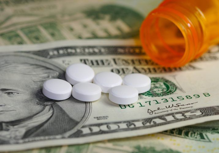 The Ultimate Guide to a Pharmacy Technician's Pay and Benefits ...