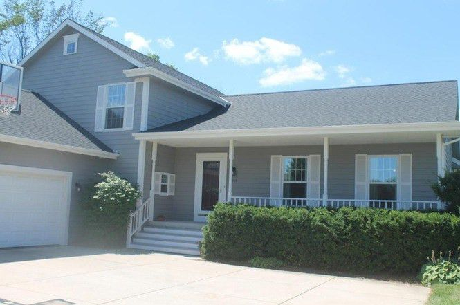 2055 S Sunset Ct, New Berlin, WI 53151 | MLS# 1543118 | Redfin