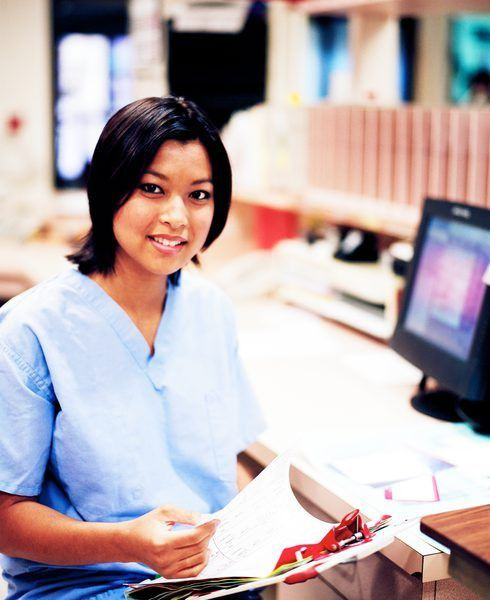 Why Medical Assistant Must Be Professional When Assisting With ...