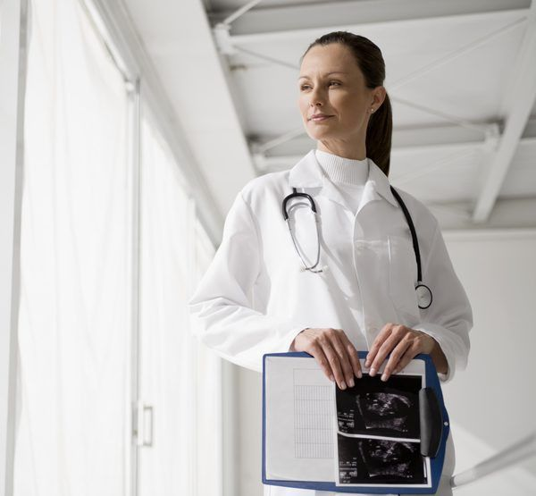 What Courses Do You Need to Be an Ultrasound Technician? - Woman