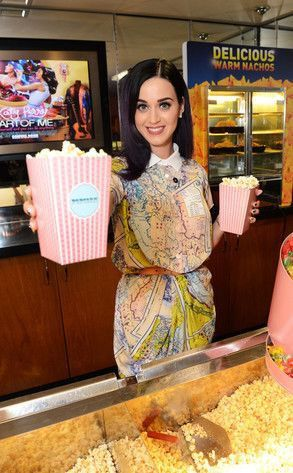 Katy Perry surprises fans at Part of Me secret screening ...