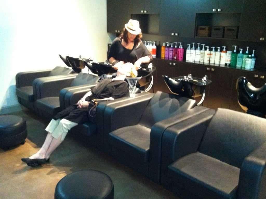 Salon benefits from new location - Westport News