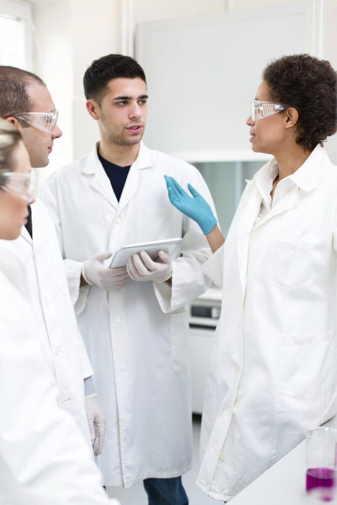 14 Career Paths for Microbiologists – Microbiologics Blog