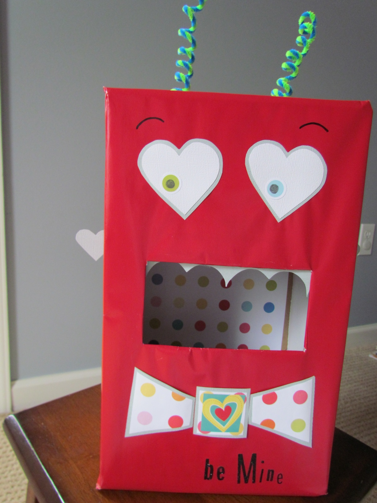 1000 images about projects to try on pinterest - Valentines day boxes for kids ...
