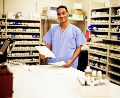 How Much Does an Entry Level Pharmacy Technician Make? | Chron.com
