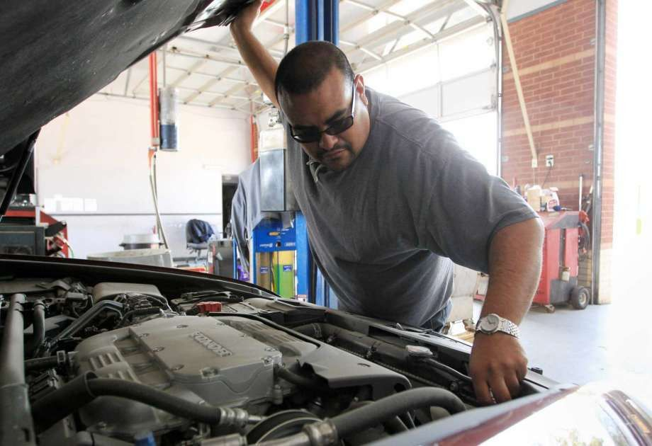 State Senate votes to end vehicle inspections - San Antonio ...