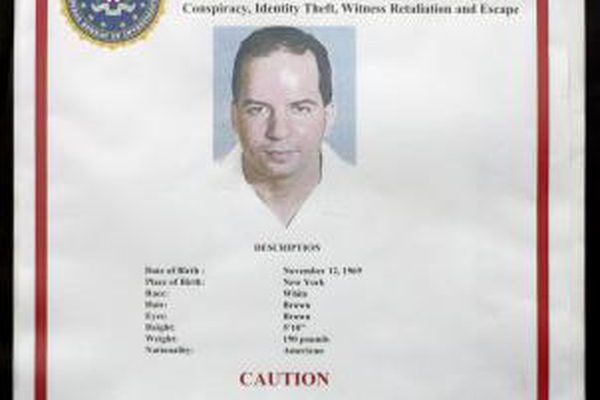 How to Make a Wanted Poster on Microsoft Publisher | It Still ...
