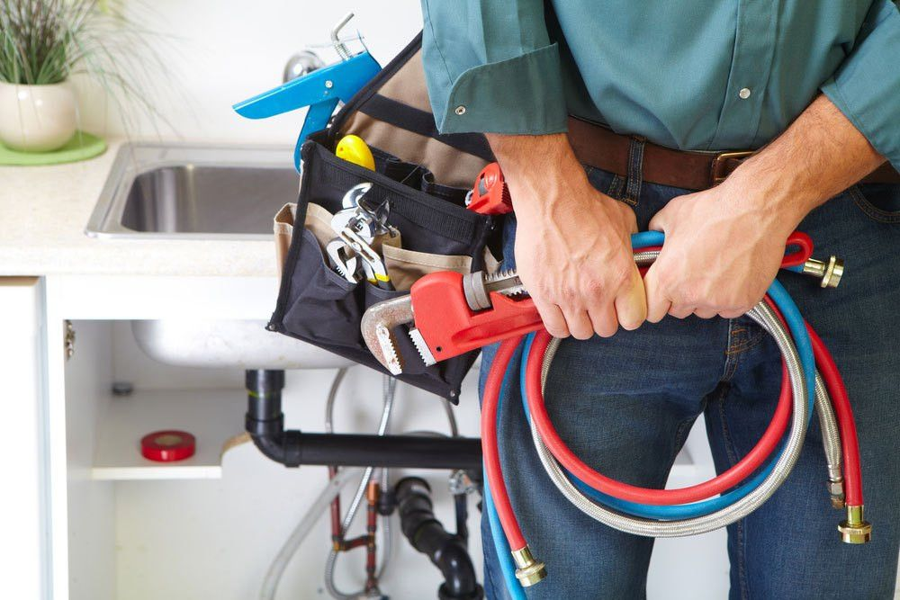 Responsibilities of a Plumber during a Plumbing Job | Plumbing ...