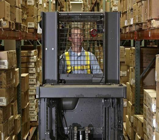 Order Picker Forklift   Raymond 5400 Stock Picker