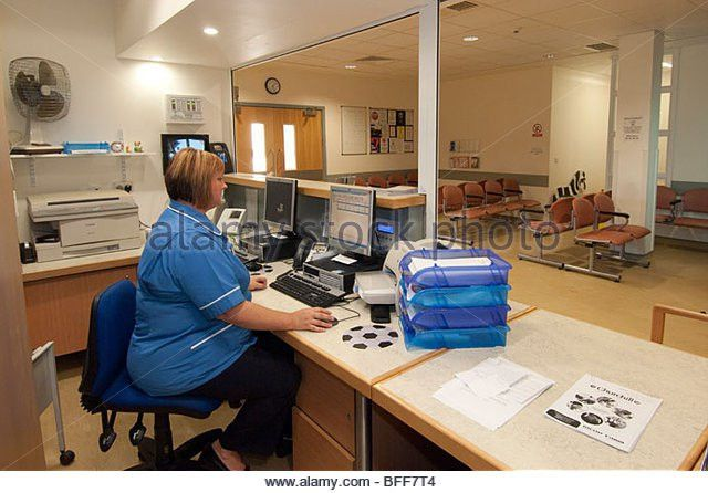Hospital Nhs Reception Receptionist Stock Photos & Hospital Nhs ...