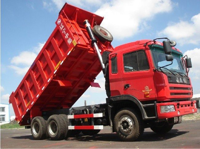 Pros and Cons Of Being a Dump Truck Driver - Fueloyal