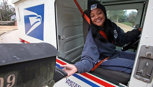 Mail carrier braves dogs, cold on job | The Vicksburg Post