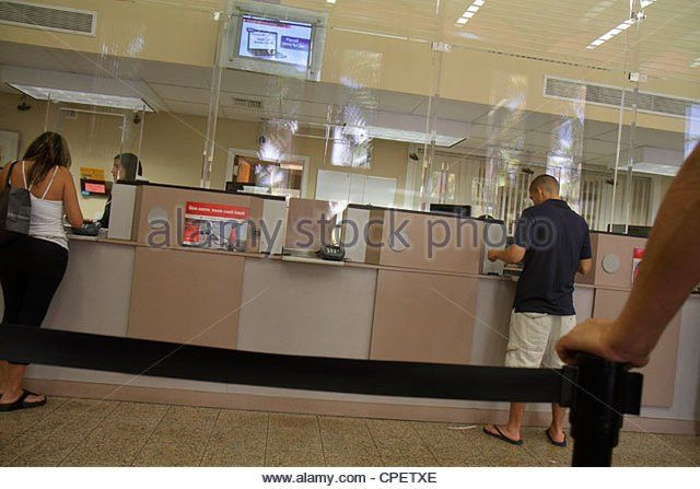 Bank Tellers And Customers Stock Photos & Bank Tellers And ...