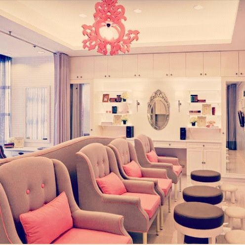 Nail salon decor salon interior design and salons decor for Ab nail salon sarasota
