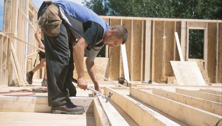 Carpenter Duties & Responsibilities | Career Trend