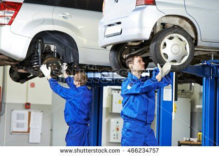 Car Mechanic Spanner Tighten Car Suspension Stock Photo 124885084 ...