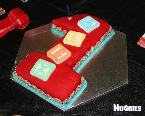 Number 1 | Huggies Birthday Cake Gallery - Huggies