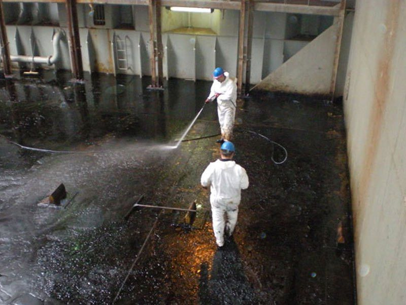 Waste Oil Tank Cleaning | Aden Drainage Cleaning Services in Dubai