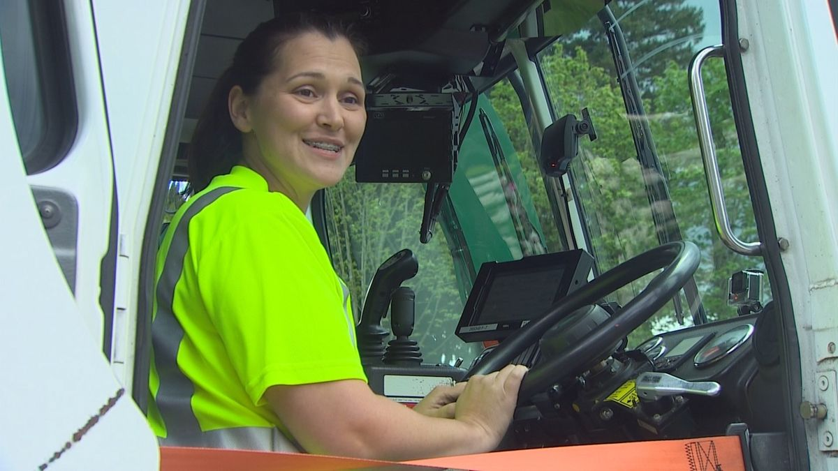 Expecting driver shortage, Waste Management recruiting garbage ...