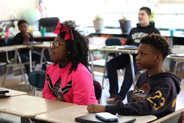Photo Galleries (2015-2016) / Geologist visits Grier Middle