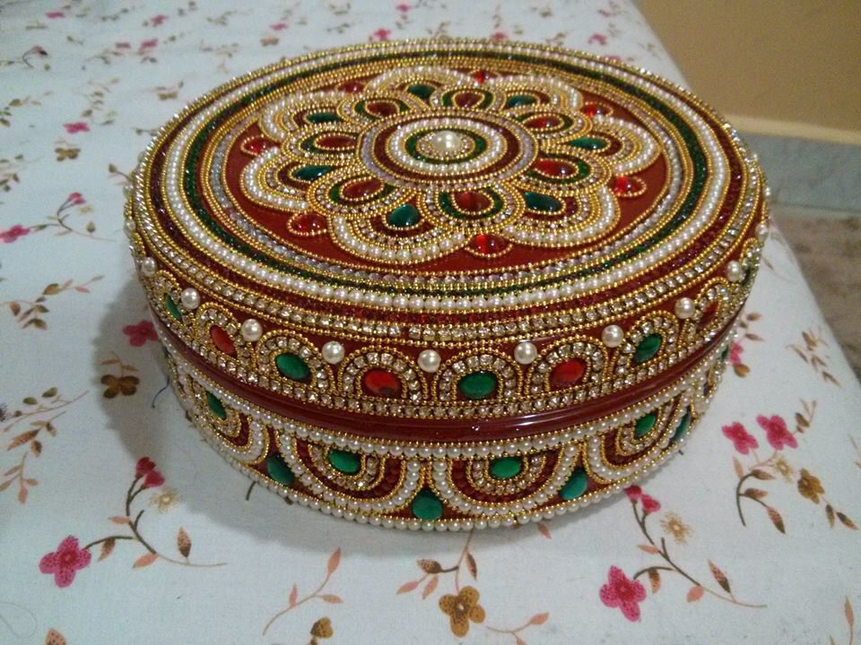 1000 images about pooja thali on pinterest for Aarti thali decoration with kundan