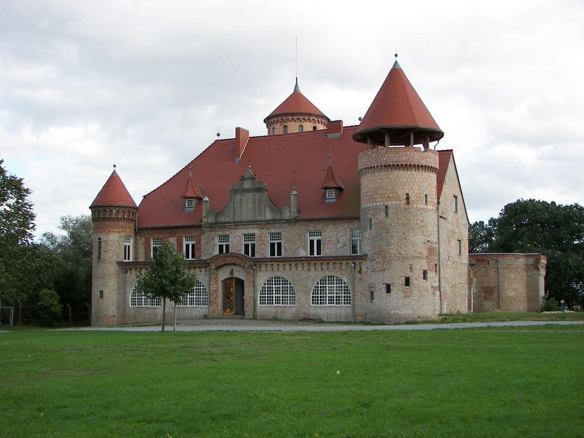 Schloss Stolpe auf der Insel Usedom   Burgen und schlösser
