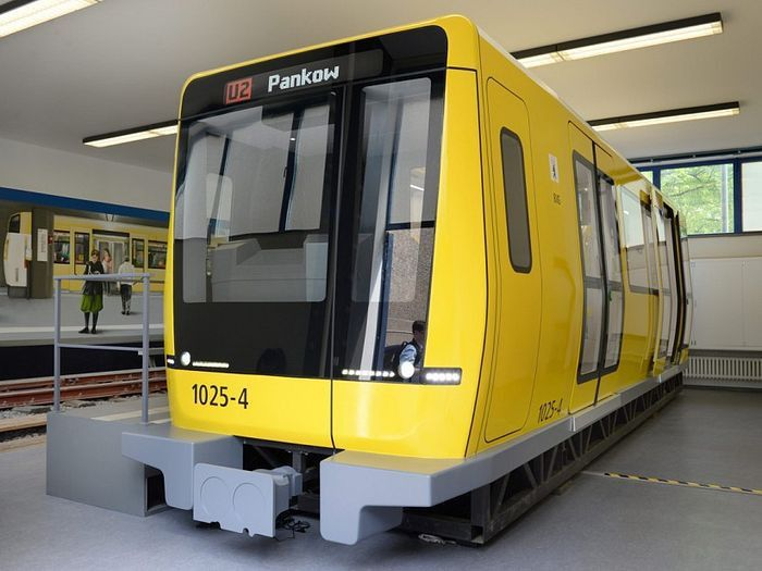 Berlin's New Subway Trains Too Wide for City's Tunnels - RIPTIDE