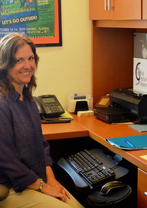 Captiva Gets a New Head Librarian; Totter on the Job - Santiva ...