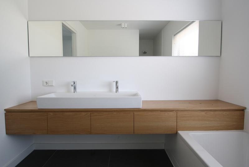 badkamer, inloopdouche, badkamer tegels grijs, badkamermeubel ...