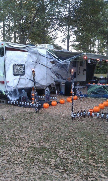 Jackie E Baisden (jackieebaisden) on Pinterest - halloween decorations com