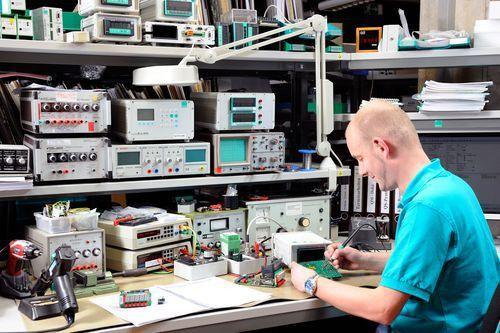 Electronic Instrumentation Technician: burster.com