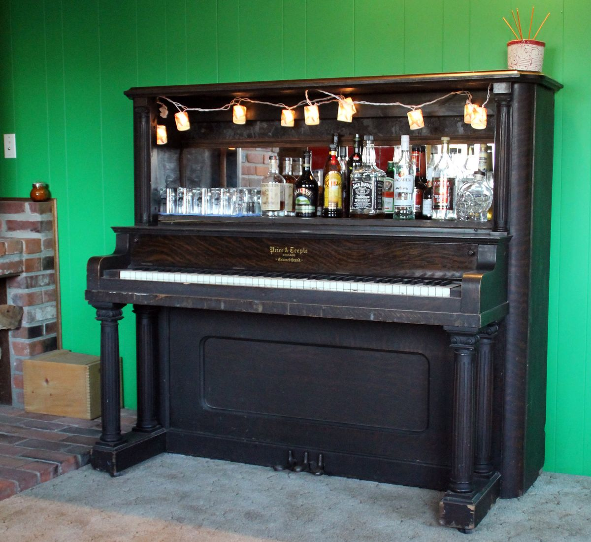 piano bar on pinterest piano old pianos and upright piano. Black Bedroom Furniture Sets. Home Design Ideas