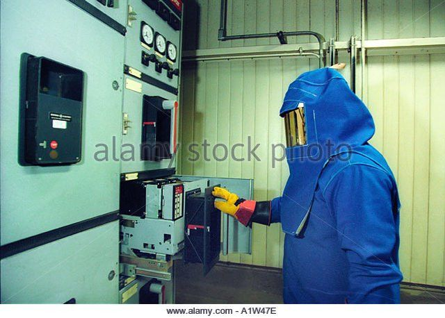 High Voltage Electrician Stock Photos & High Voltage Electrician ...