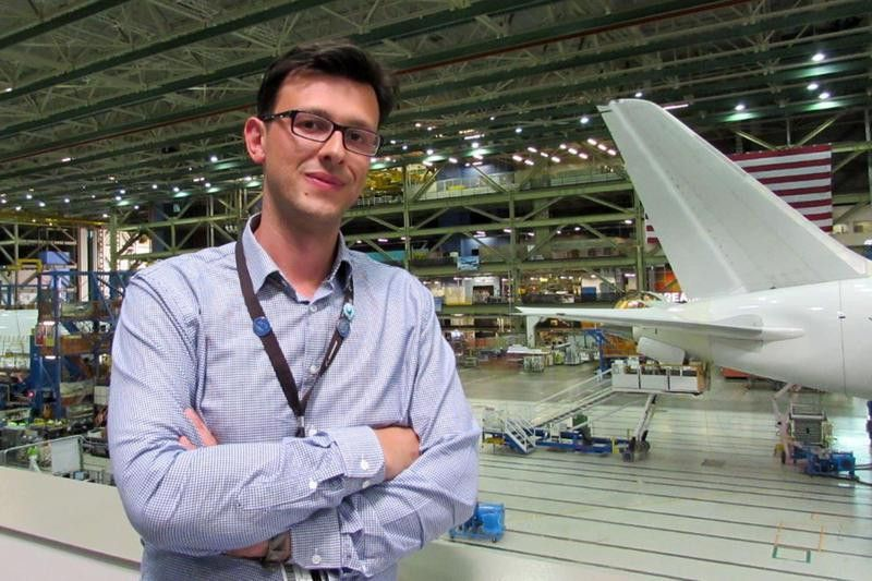 Boeing Engineer Celebrated For Saving Millions On 787 Dreamliner ...