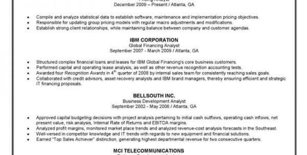 Financial Planner Resume Example Financial Planner Resume Resume ...