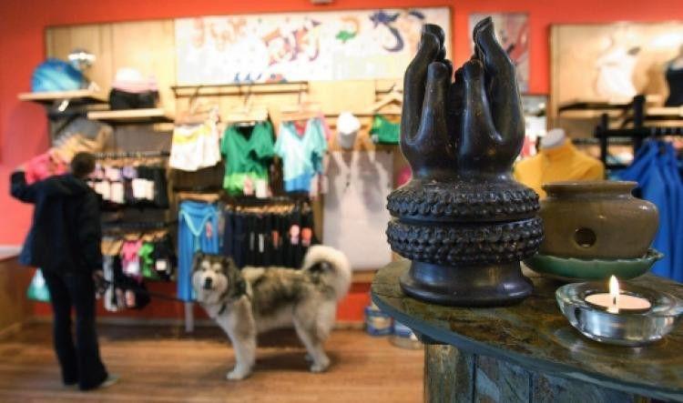 Lululemon recalls see-through yoga pants - NY Daily News