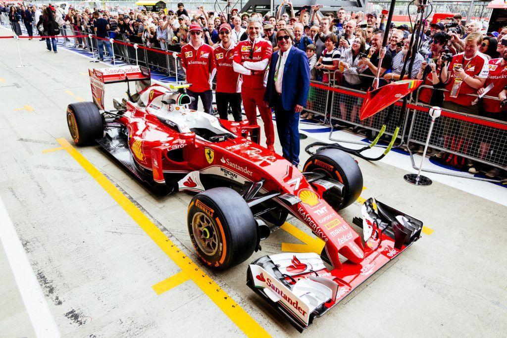 RAY-BAN ENTERS SPONSORSHIP AGREEMENT WITH FERRARI - MR Magazine
