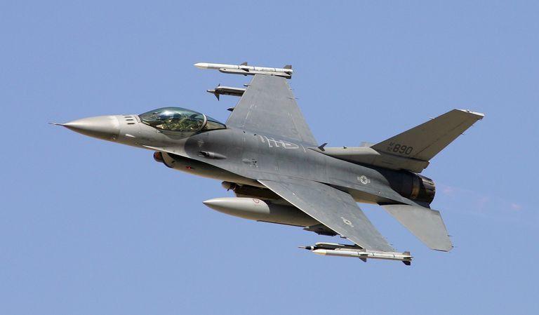 2A3X2 - F-16, F-117, RQ-1, and CV-22 Avionic Systems