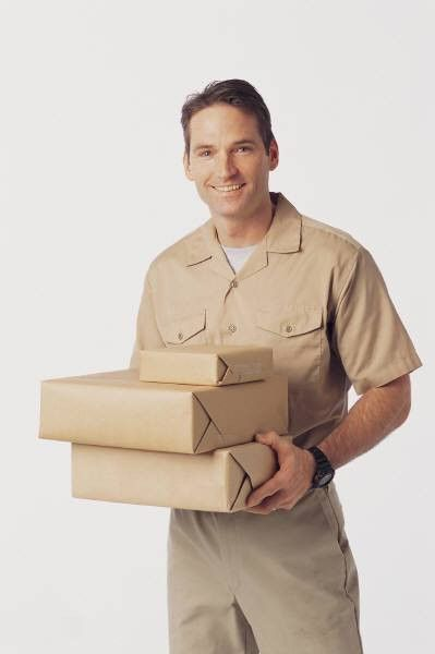 Shipping & Receiving Clerk Job Description | Warehouse Staffing ...