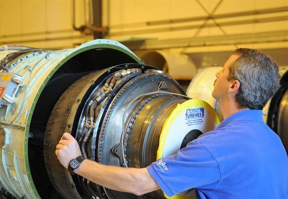 Ramstein Civilians make complex C-21 engine swap > Ramstein Air ...
