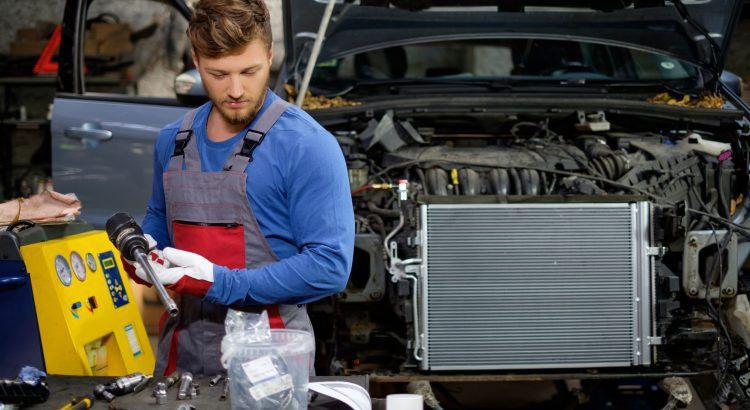 What does a Diesel Mechanic do? - What Does A ___ Do?