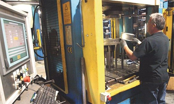 Articles - Operators Revel in Hydraulic-Press Controls Refresh ...