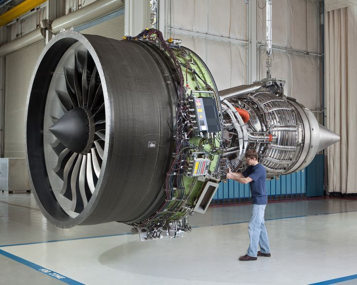 boeing engine | The GEnx-1B engine, that is used on the Boeing 787 ...