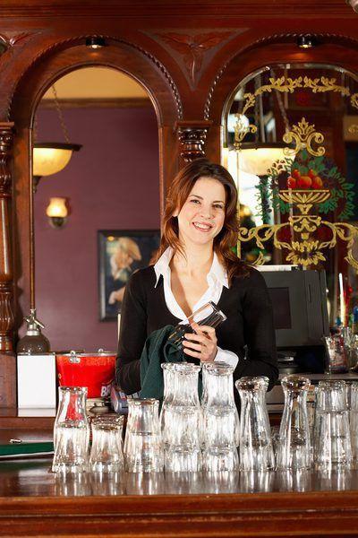 Bar Back Job Description - Woman