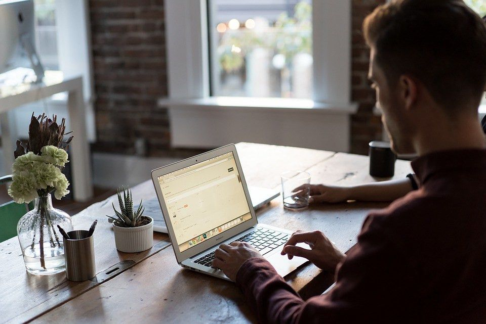 Ways to Turn Freelance Writing Jobs Into Stable, Recurring Work