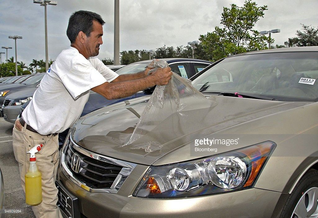 Auto Detailer Stock Photos and Pictures | Getty Images