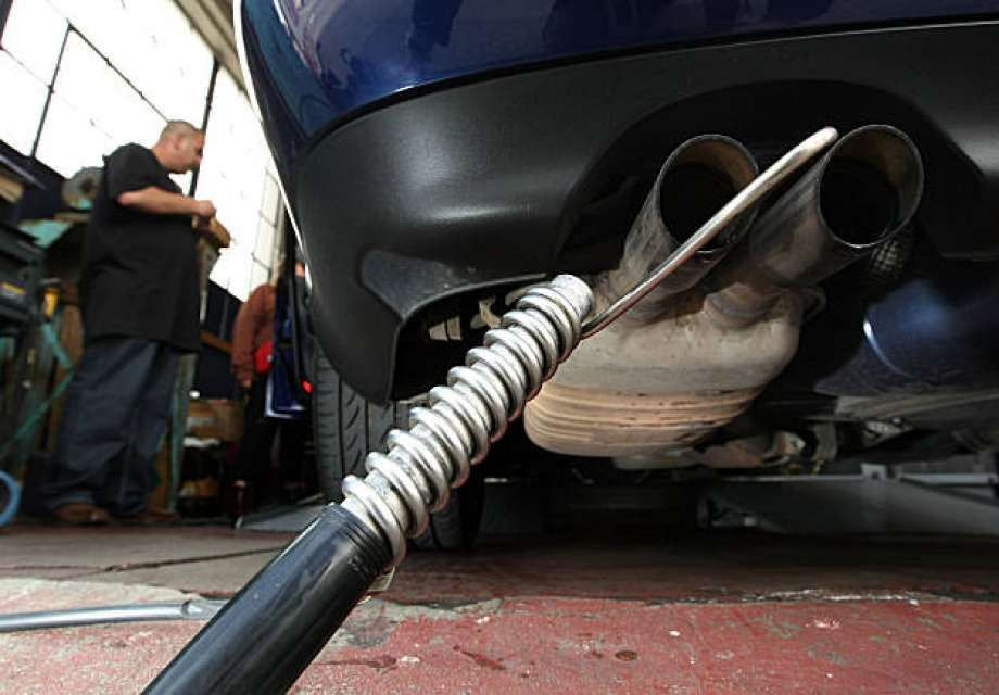 Obama wants tougher tailpipe emissions law - SFGate