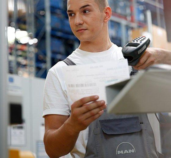 Warehouse logistics technician | MAN Careers