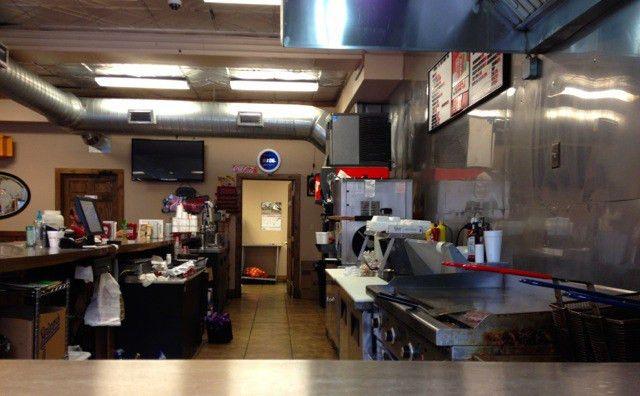 Manchester: Eating a Cheeseburger at Pat's Snack Bar   Eat Kentucky